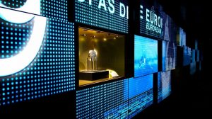 Explorer la salle du meilleur club au stade Santiago Bernabéu de Madrid