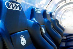 Explorer la zone des remplaçants au stade Santiago Bernabéu de Madrid