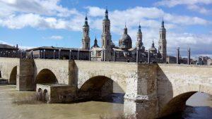 Le monument pont de pierre de Saragosse