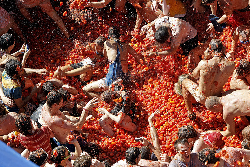 Le festival de la tomatina en Espagne pour un bain de tomates