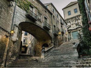 Contempler la vieille ville de Benidorm