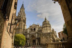 Visiter cette cathédrale Sainte-Marie à Tolède