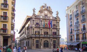 l'hôtel de ville à Pampelune